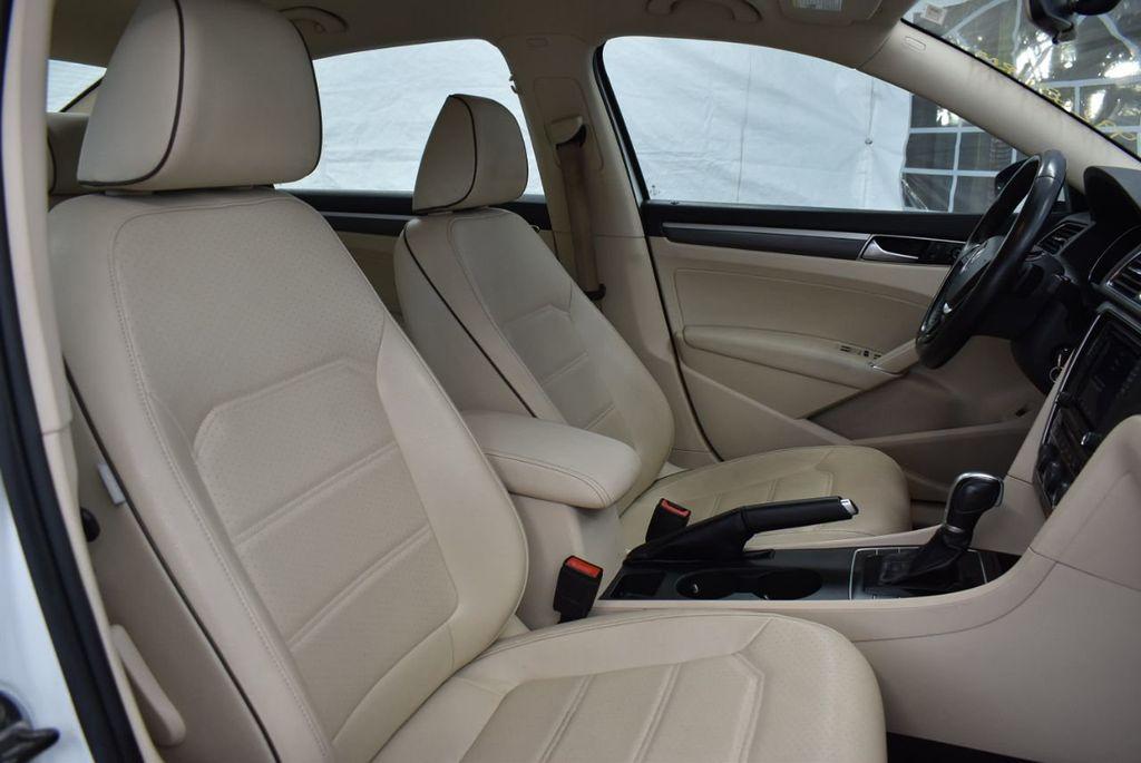 2017 Volkswagen Passat R-Line w/Comfort Pkg Automatic - 18378132 - 24