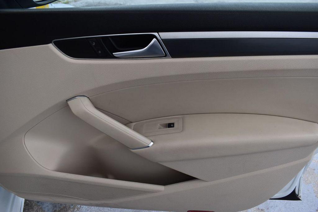 2017 Volkswagen Passat R-Line w/Comfort Pkg Automatic - 18378132 - 25