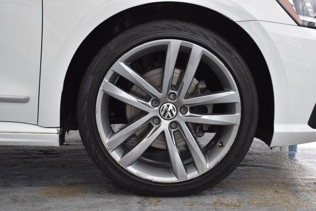 2017 Volkswagen Passat R-Line w/Comfort Pkg Automatic - 18378132 - 8