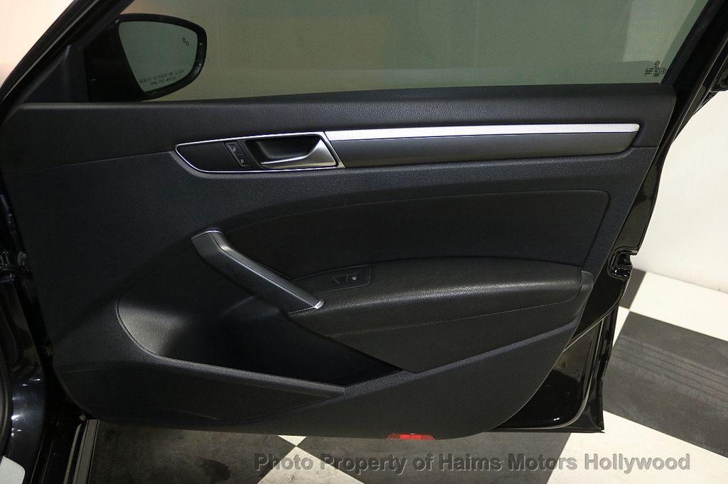 2017 Volkswagen Passat R-Line w/Comfort Pkg Automatic - 17900544 - 13