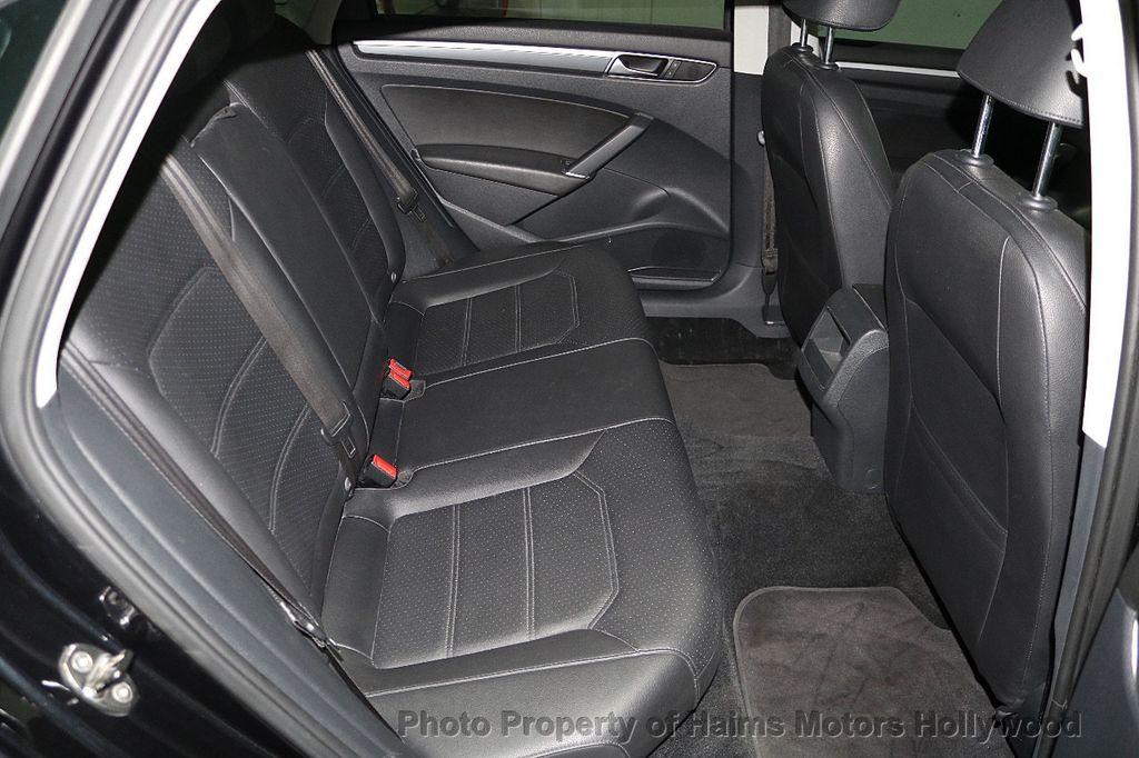 2017 Volkswagen Passat R-Line w/Comfort Pkg Automatic - 17900544 - 15