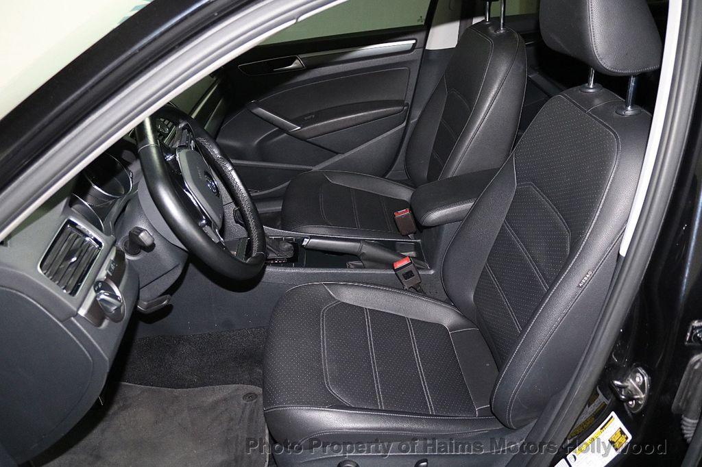 2017 Volkswagen Passat R-Line w/Comfort Pkg Automatic - 17900544 - 17