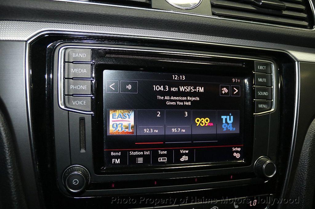 2017 Volkswagen Passat R-Line w/Comfort Pkg Automatic - 17900544 - 20
