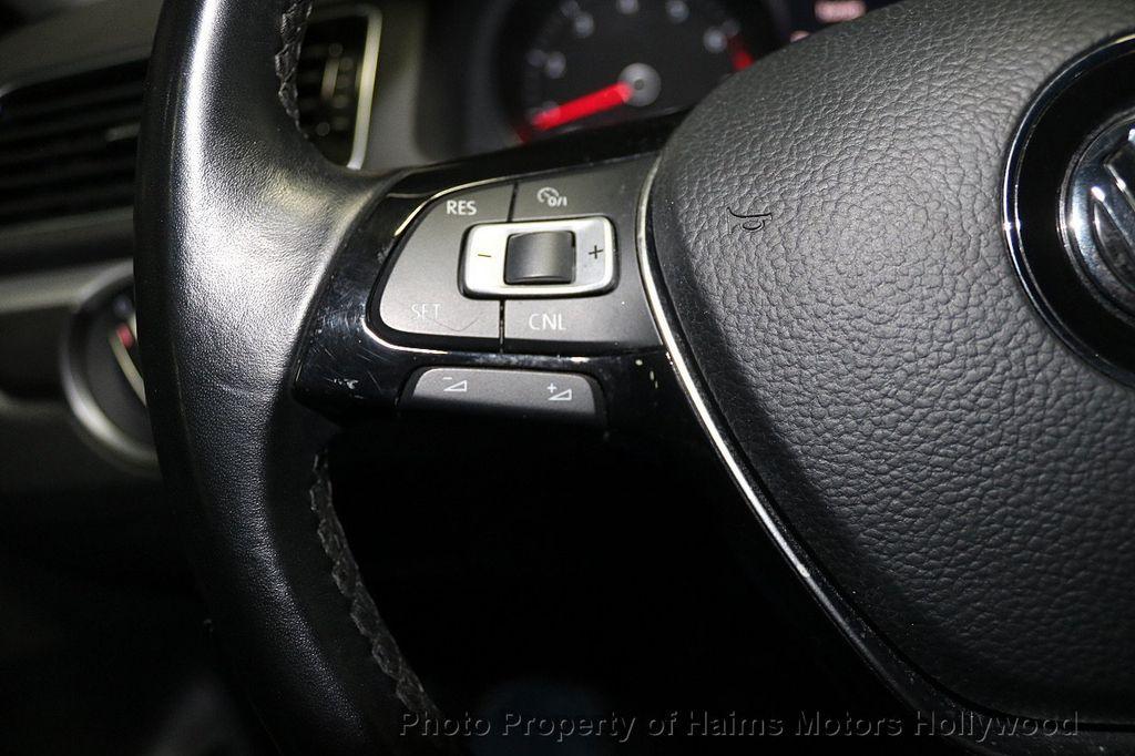 2017 Volkswagen Passat R-Line w/Comfort Pkg Automatic - 17900544 - 24