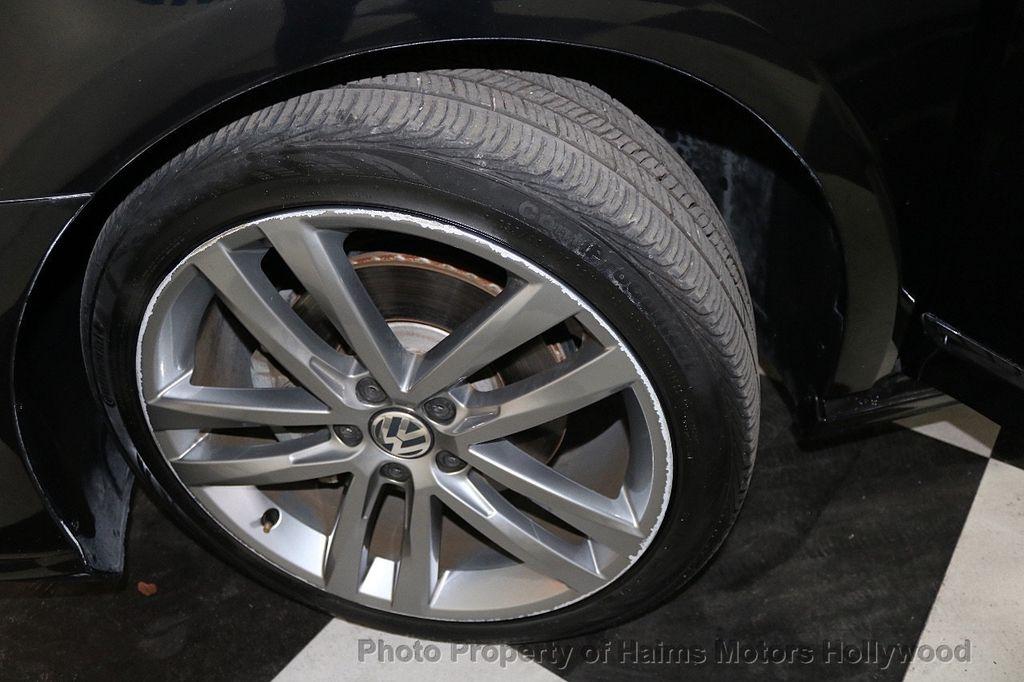 2017 Volkswagen Passat R-Line w/Comfort Pkg Automatic - 17900544 - 31