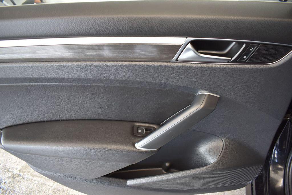 2017 Volkswagen Passat R-Line w/Comfort Pkg Automatic - 18151281 - 13