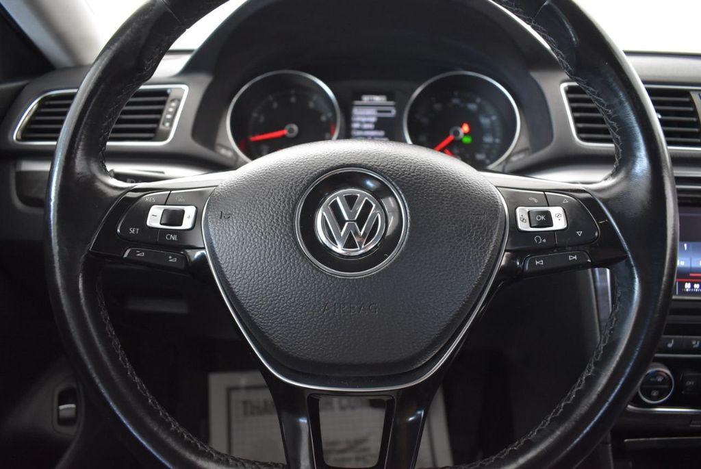 2017 Volkswagen Passat R-Line w/Comfort Pkg Automatic - 18151281 - 17
