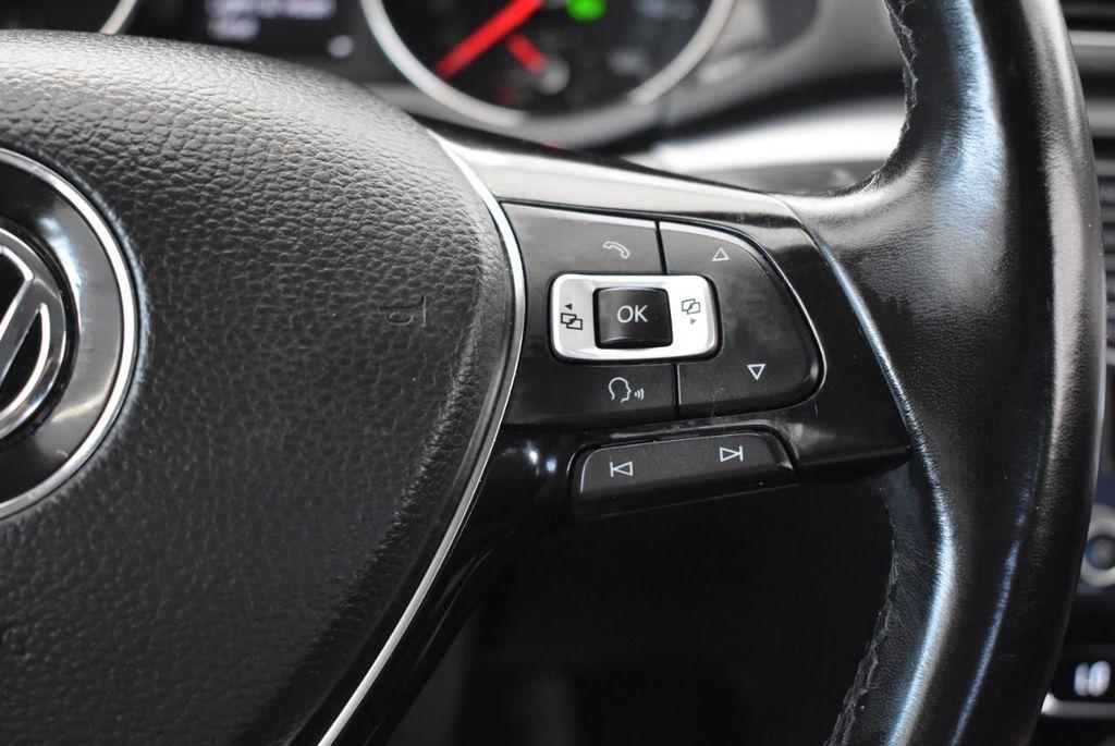 2017 Volkswagen Passat R-Line w/Comfort Pkg Automatic - 18151281 - 18