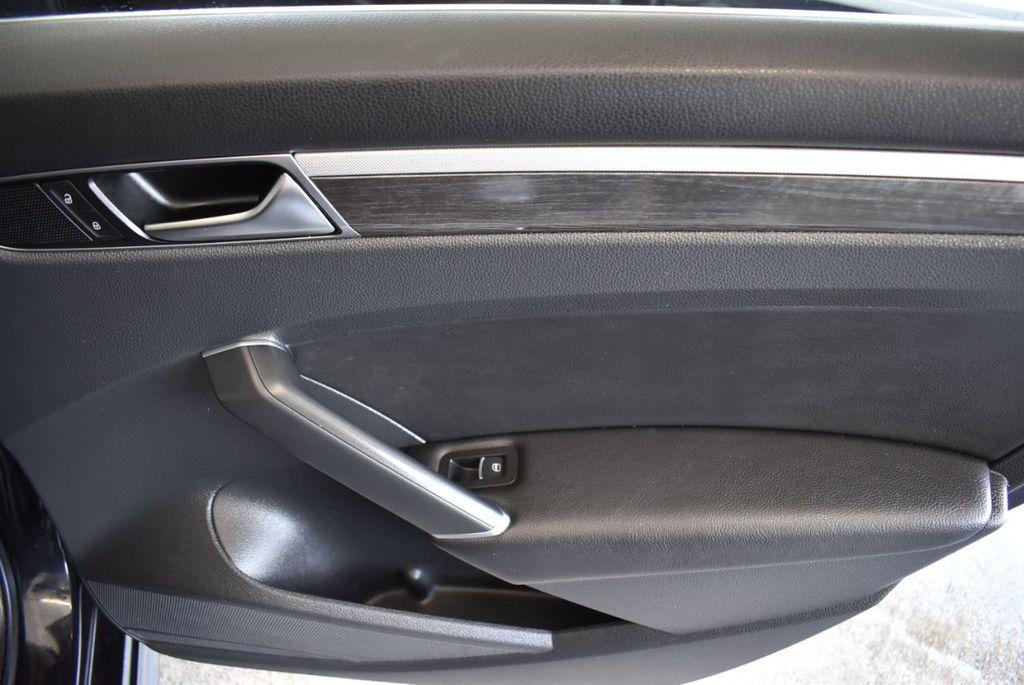 2017 Volkswagen Passat R-Line w/Comfort Pkg Automatic - 18151281 - 23
