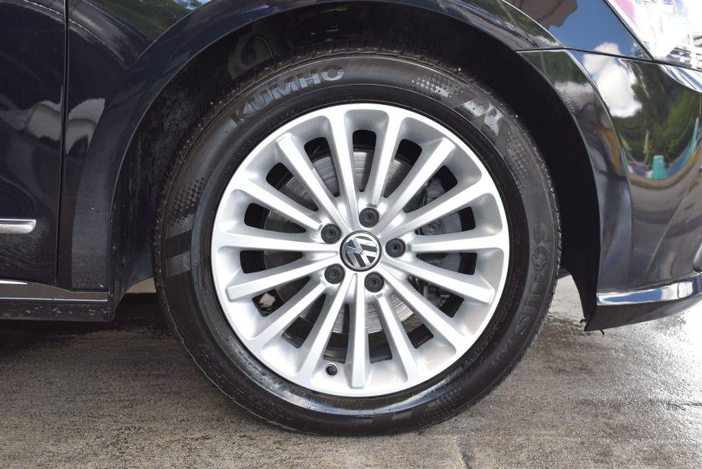 2017 Volkswagen Passat R-Line w/Comfort Pkg Automatic - 18151281 - 8