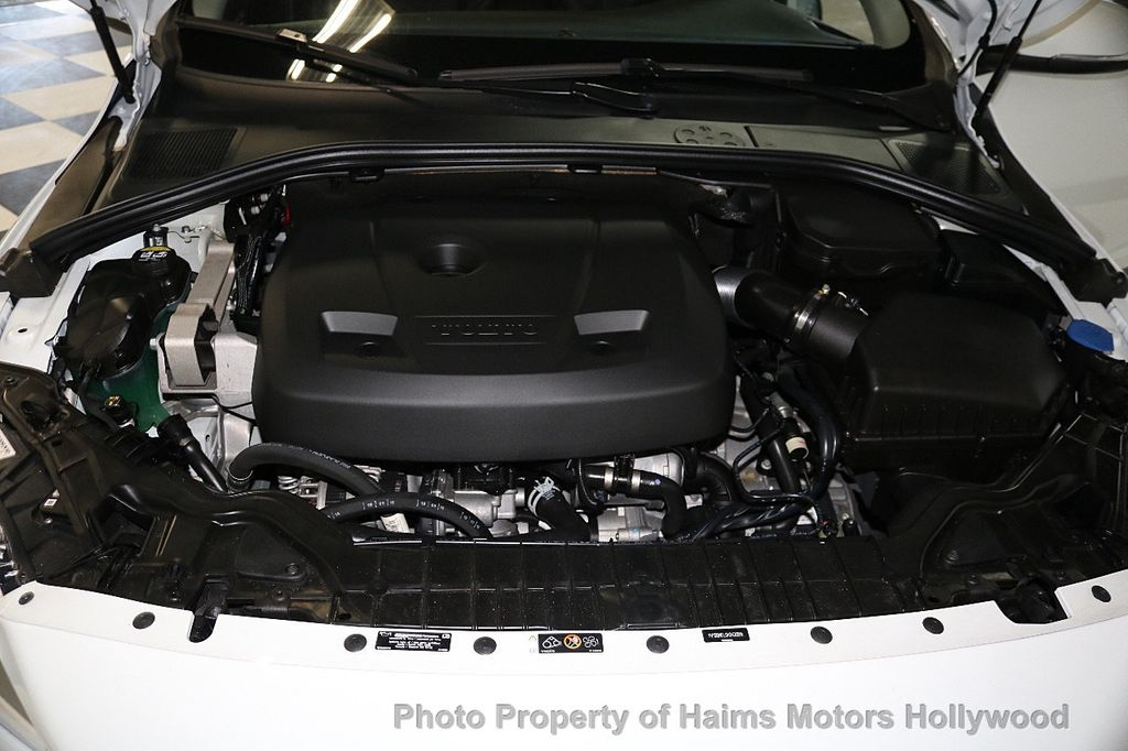 2017 Volvo S60 T5 FWD Dynamic - 17598886 - 32