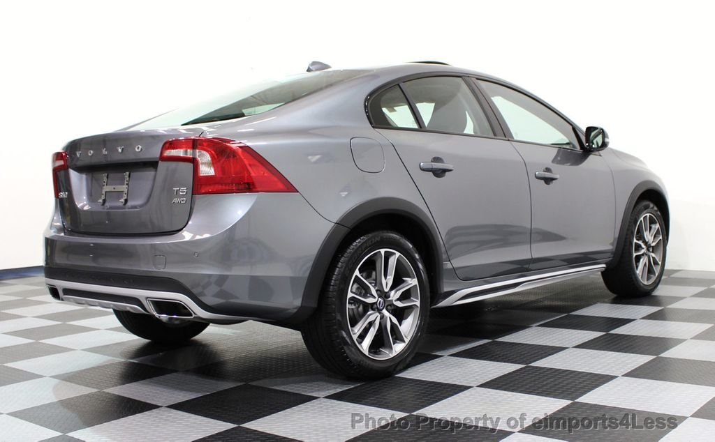 2017 Volvo S60 Cross Country CERTIFIED S60 CROSS COUNTRY T5 AWD SPORT UTILITY - 16747590 - 17