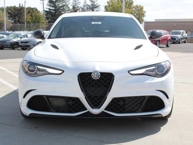2018 Alfa Romeo Giulia Quadrifoglio RWD - Click to see full-size photo viewer