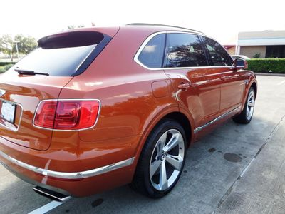2018 Bentley Bentayga 2018 Bentley Bentayga, 2-Owner, 11k Miles, Sunroof, Extra Clean! - Click to see full-size photo viewer