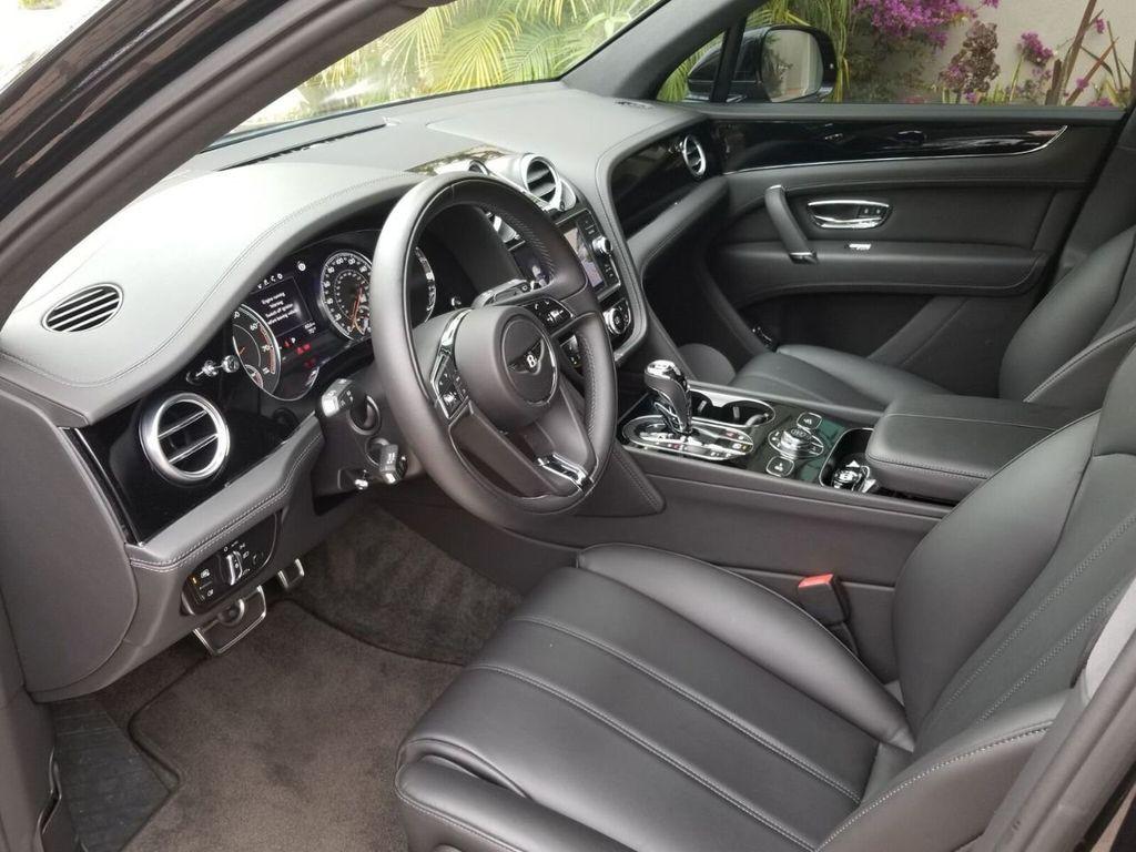 2018 Bentley Bentayga Onyx Edition AWD - 17887600 - 25