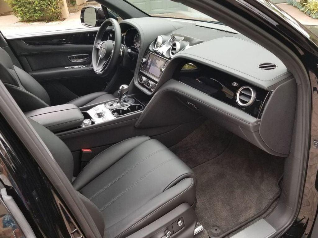 2018 Bentley Bentayga Onyx Edition AWD - 17887600 - 33