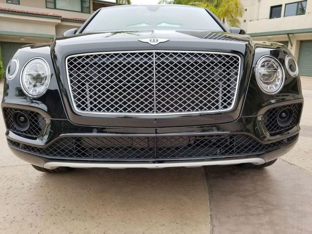 2018 Bentley Bentayga Onyx Edition AWD - 17887600 - 38