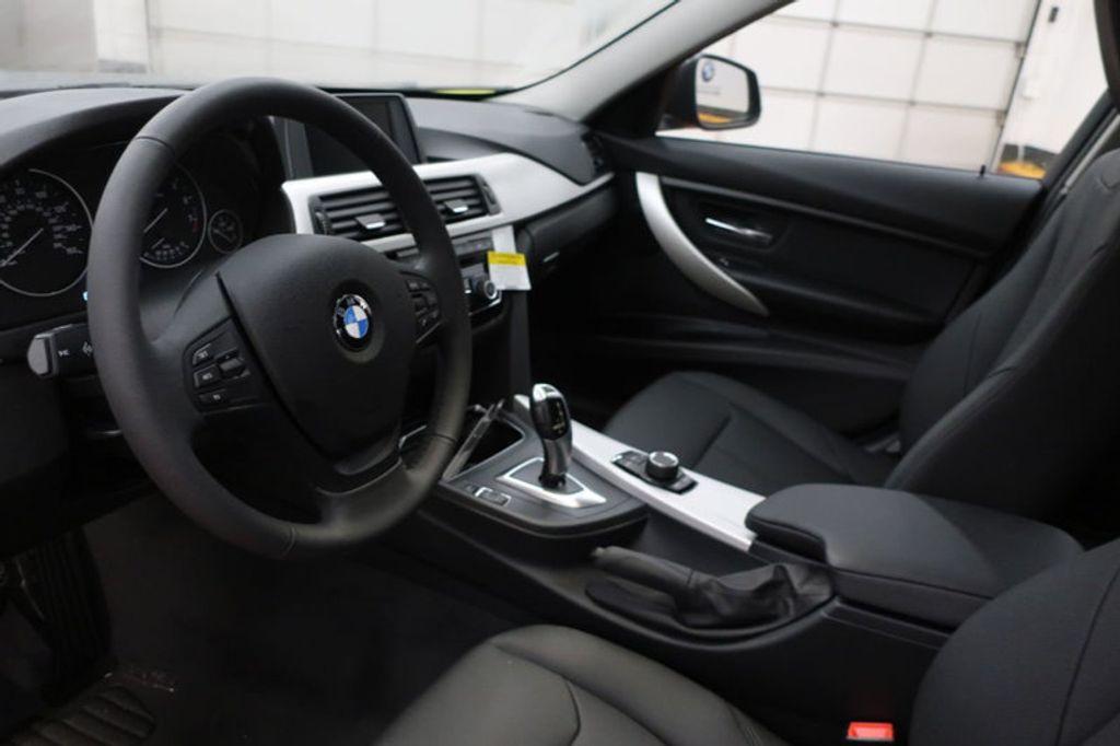 2018 BMW 3 Series 320i - 16945469 - 11