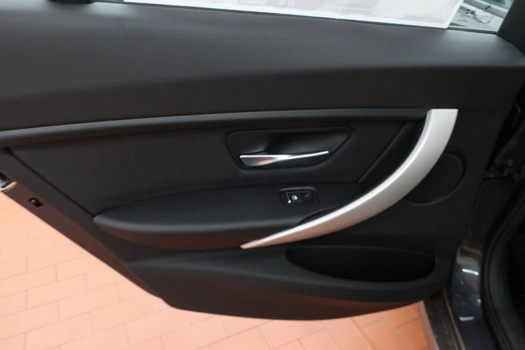 2018 BMW 3 Series 320i - 16945469 - 17
