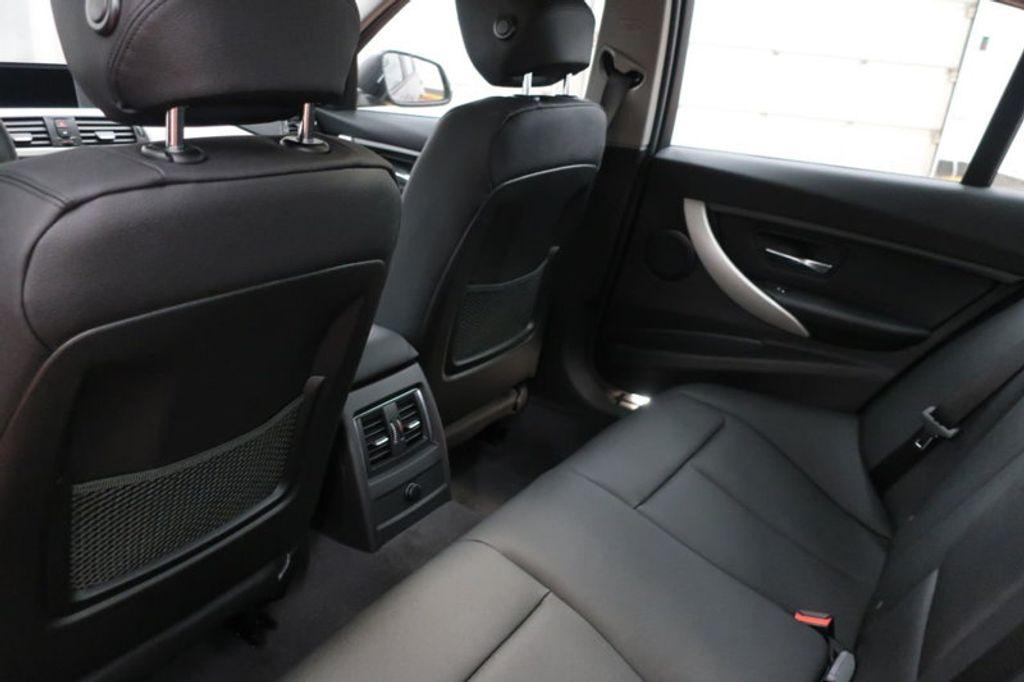2018 BMW 3 Series 320i - 16945469 - 19