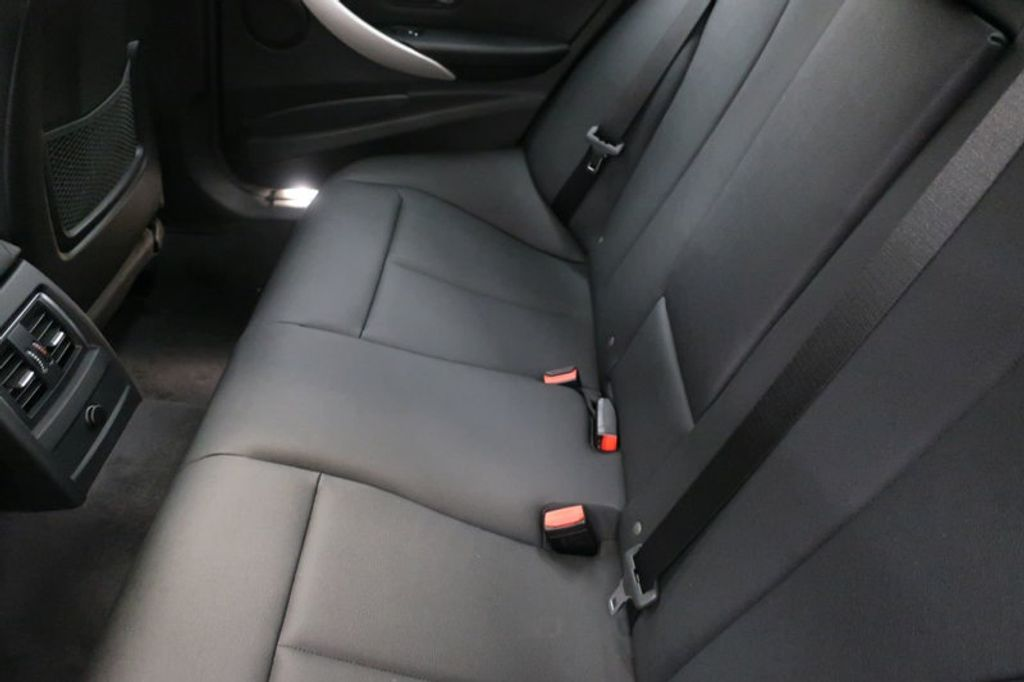 2018 BMW 3 Series 320i - 16945469 - 21