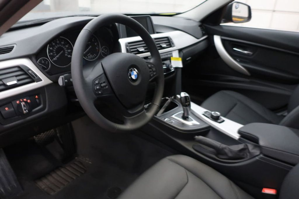 2018 BMW 3 Series 320i - 16945469 - 24