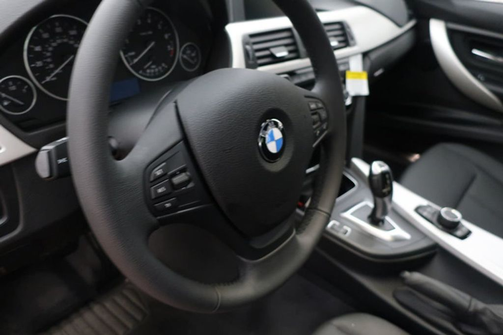 2018 BMW 3 Series 320i - 16945469 - 25