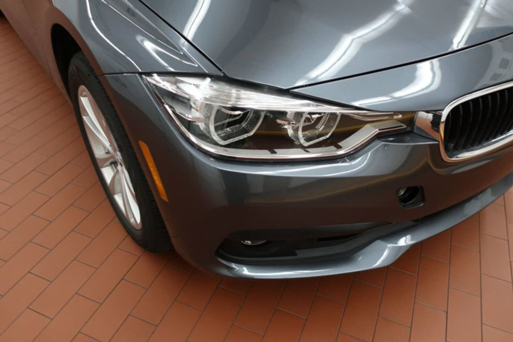 2018 BMW 3 Series 320i - 16945469 - 6