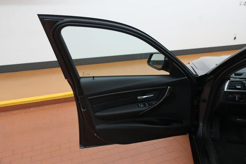 2018 BMW 3 Series 320i - 17176029 - 10