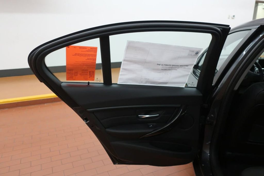 2018 BMW 3 Series 320i - 17176029 - 15