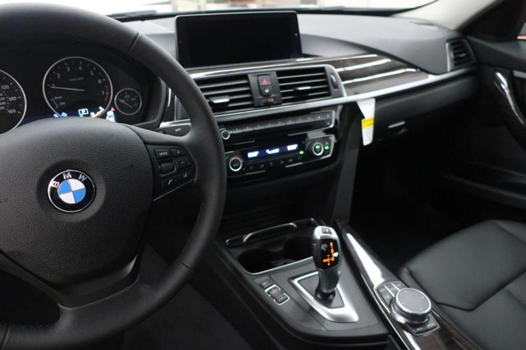 2018 BMW 3 Series 320i - 17176029 - 25