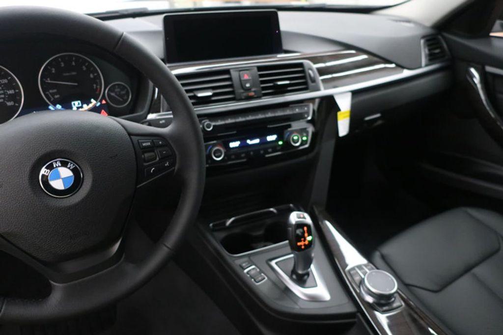 2018 BMW 3 Series 320i - 17176029 - 30