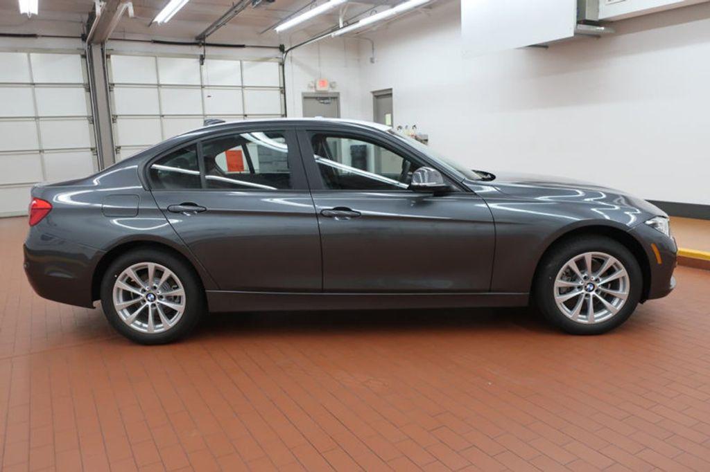 2018 BMW 3 Series 320i - 17176029 - 4