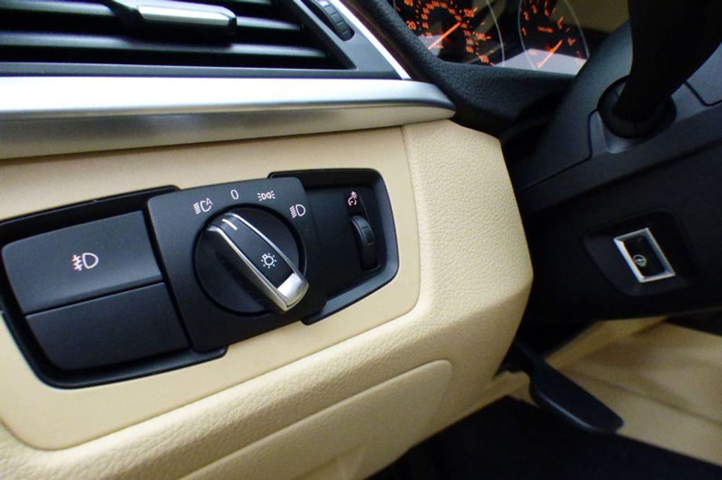 2018 BMW 3 Series 320i xDrive - 17366205 - 10