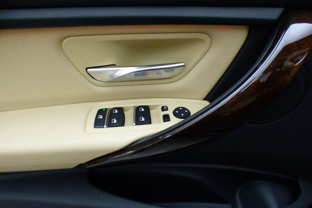2018 BMW 3 Series 320i xDrive - 17366205 - 14