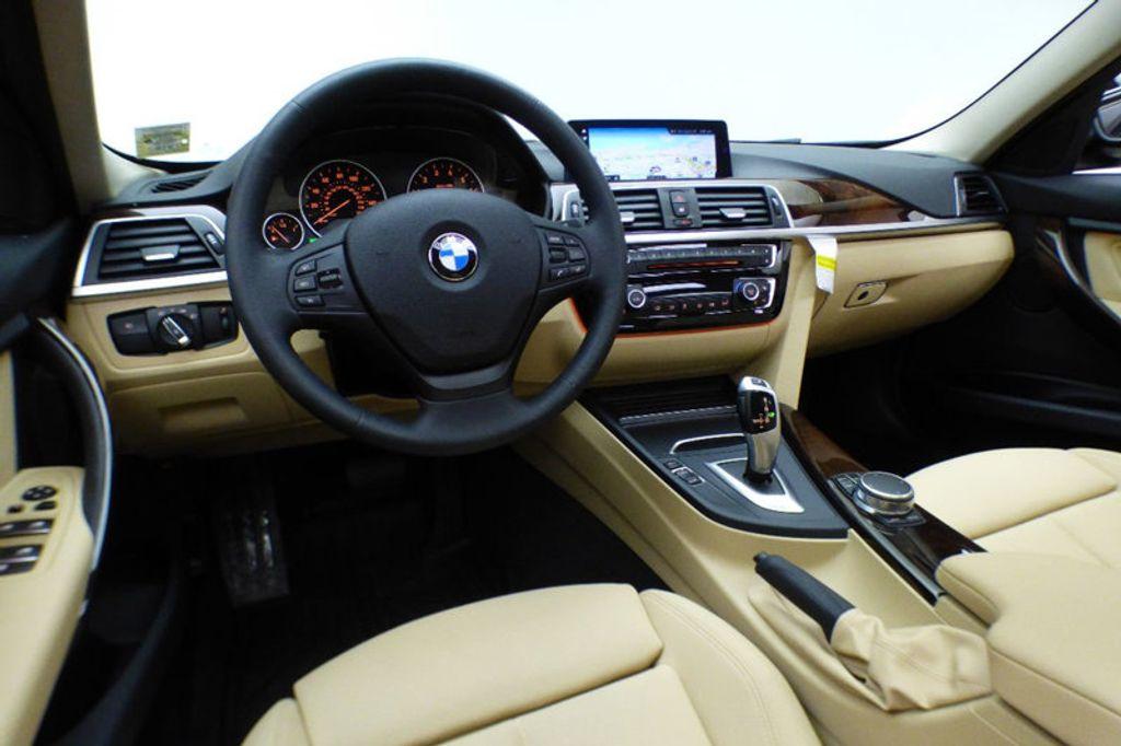 2018 BMW 3 Series 320i xDrive - 17366205 - 23