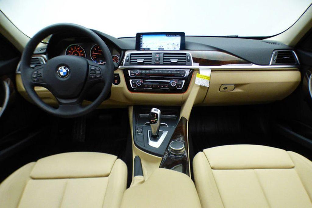 2018 BMW 3 Series 320i xDrive - 17366205 - 26