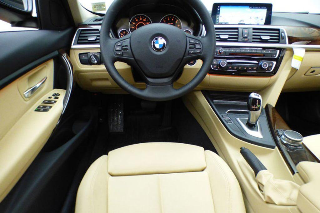 2018 BMW 3 Series 320i xDrive - 17366205 - 29