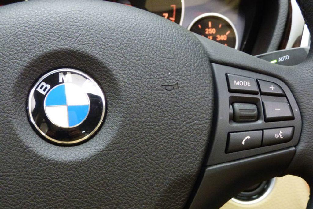 2018 BMW 3 Series 320i xDrive - 17366205 - 32