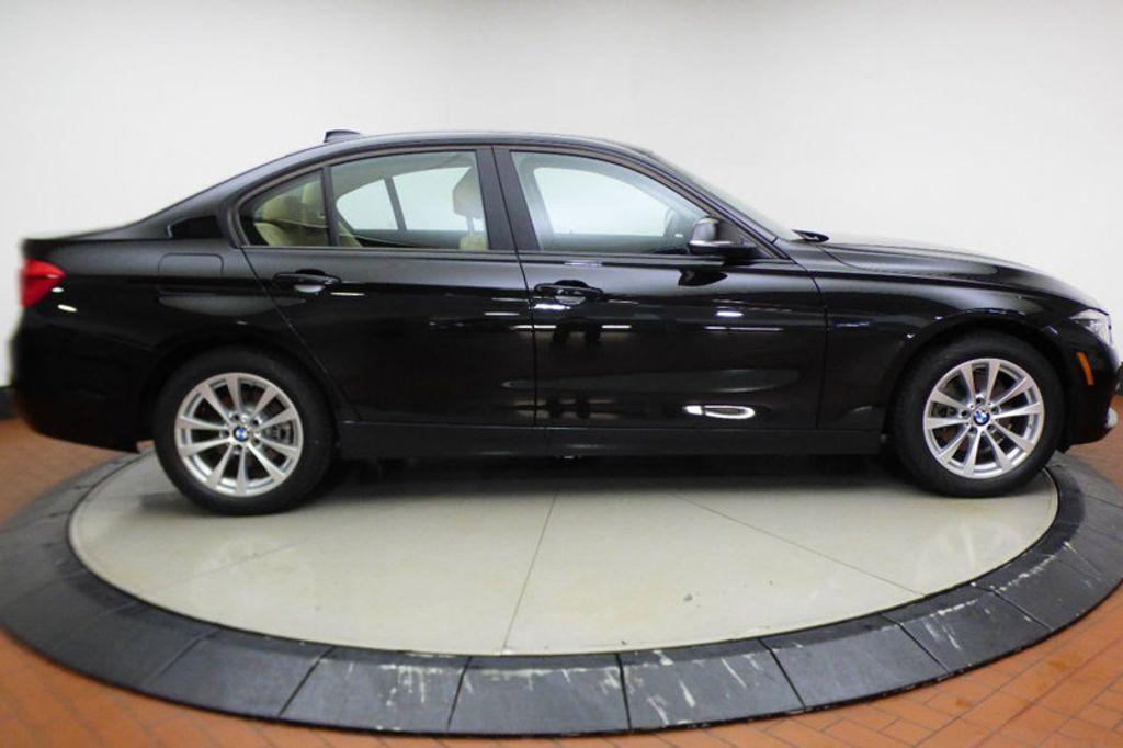 2018 BMW 3 Series 320i xDrive - 17366205 - 6