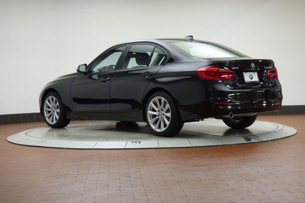 2018 BMW 3 Series 320i xDrive - 18052338 - 1
