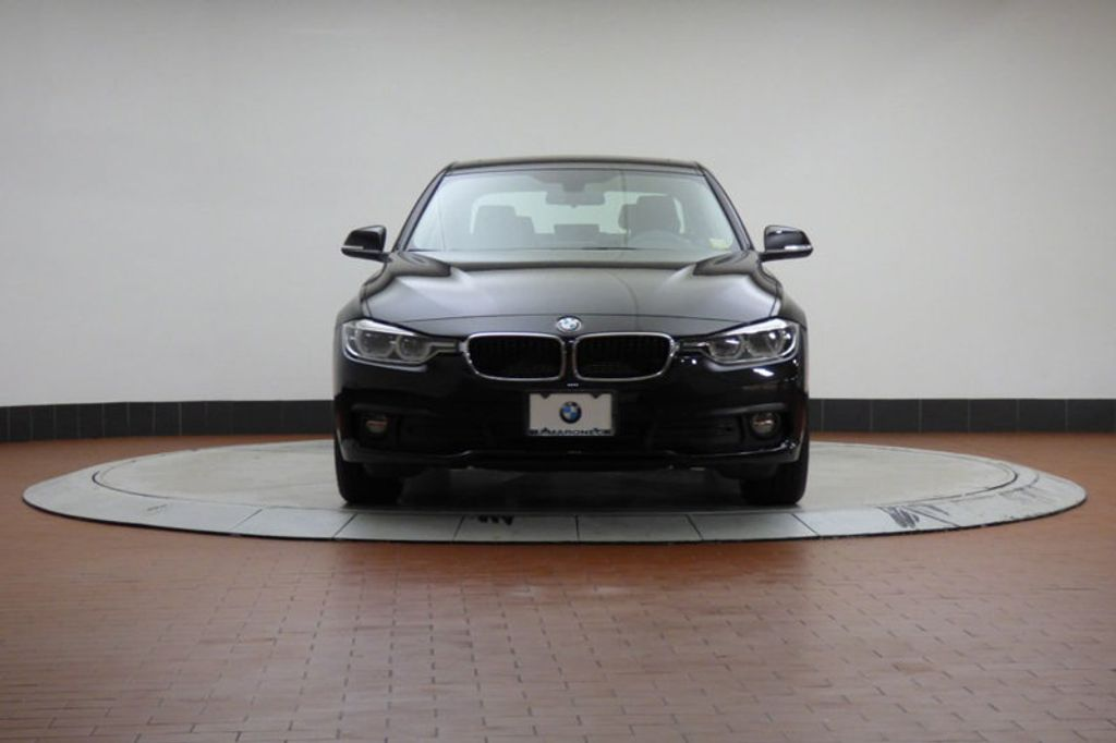 2018 BMW 3 Series 320i xDrive - 18052338 - 6