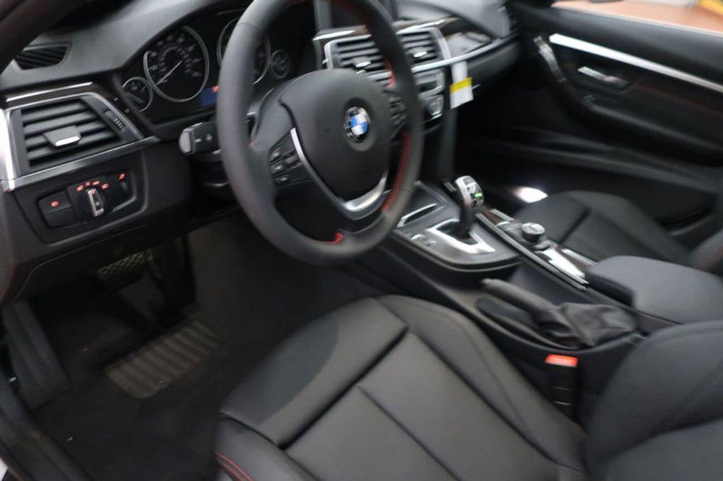 2018 BMW 3 Series 330i - 16688729 - 30