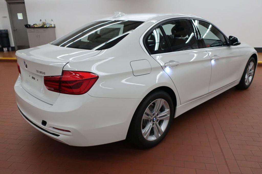 2018 BMW 3 Series 330i - 16688729 - 3