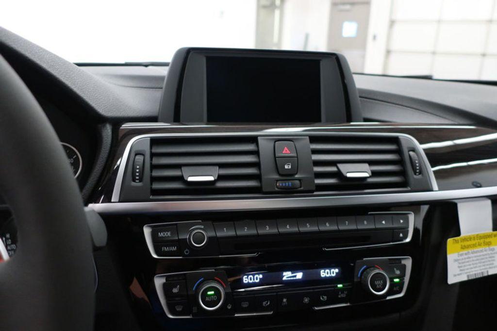 2018 BMW 3 Series 330i - 16688729 - 44