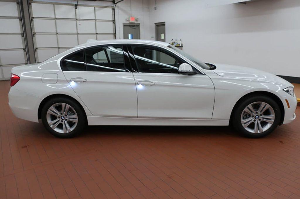 2018 BMW 3 Series 330i - 16688729 - 4