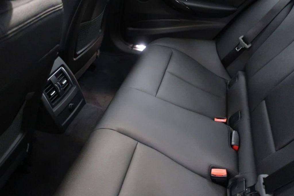 2018 BMW 3 Series 330i - 16883640 - 21