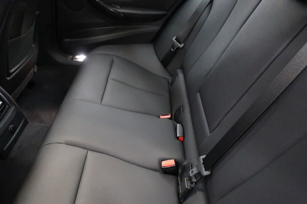 2018 BMW 3 Series 330i - 16883640 - 22