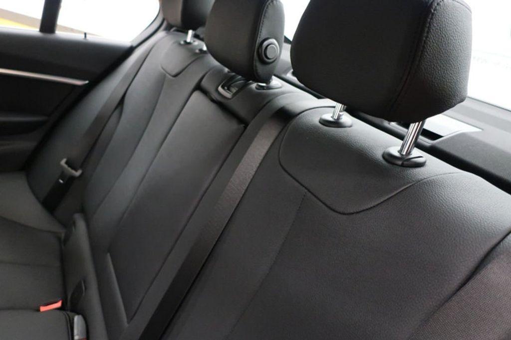 2018 BMW 3 Series 330i - 16883640 - 23