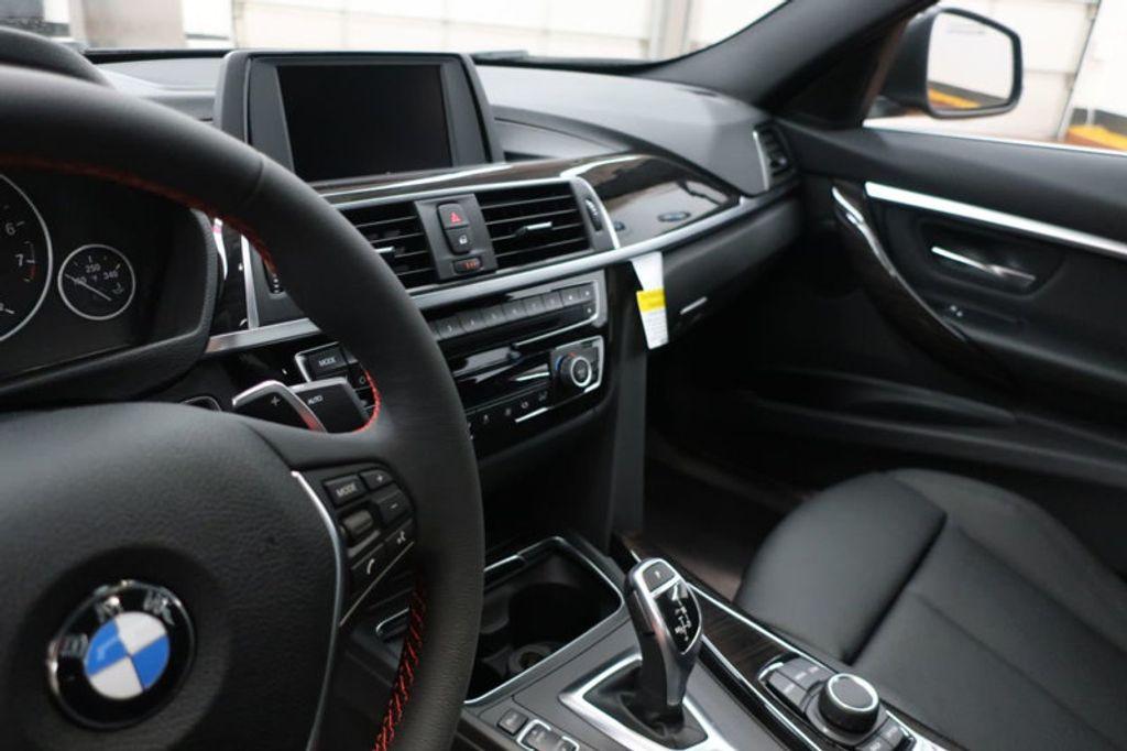 2018 BMW 3 Series 330i - 16883640 - 27